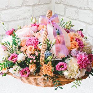 """Корзина цветов """"Жемчуг и шёлк"""""""