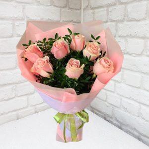 Доставка розовых роз