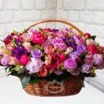 Корзина цветов весна