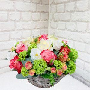 """Корзина цветов """"Красное и белое"""""""