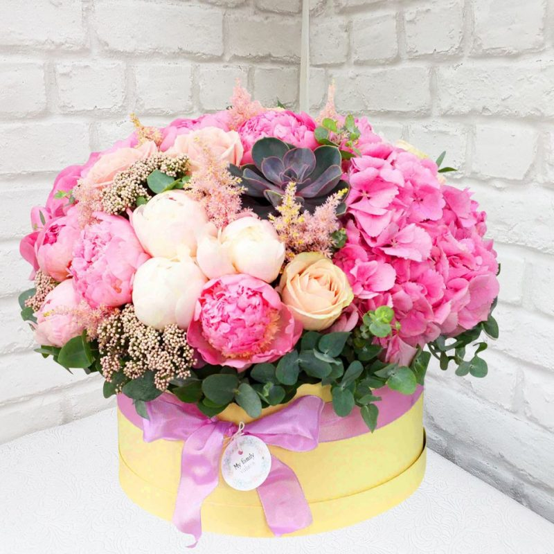 """Шляпная коробка """"Весна в Японии"""""""