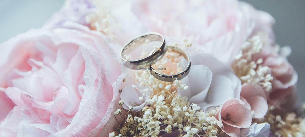 Какие цветы принято дарить на свадьбу
